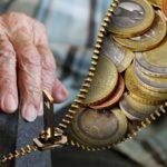 Hétfőn érkezik a nyugdíjprémium